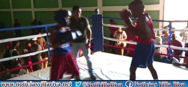 Villa Riva gana oro en torneo de boxeo municipal