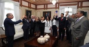 Danilo Medina juramenta a nuevos funcionarios del Intrant