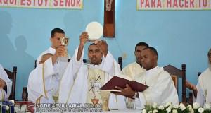 sacerdote-eustaquio-rodriguez-celebra-en-villa-riva-su-primera-misa