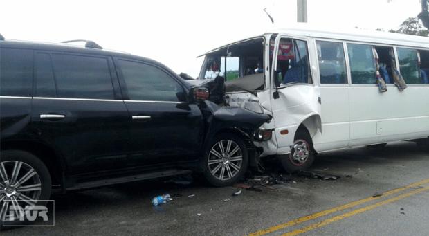 accidente-en-nagua-entre-jeepeta-y-autobus