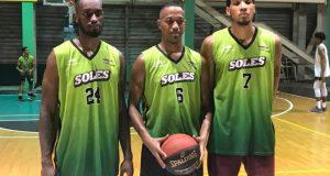 Anthony Myles, Kelvin -El Pollito- Peña y Fausto Pichardo en los entrenamientos de Soles SDE