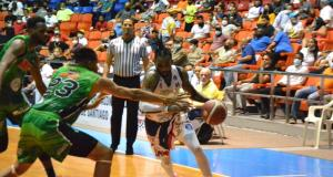 Pueblo Nuevo derrota al Cupes y se coloca a un triunfo de su noveno título en el baloncesto superior de Santiago