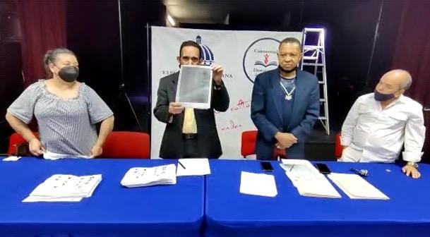 notario-publico-ny-valida-elecciones-filial-cdp-como-buena-y-transparente