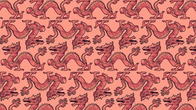 Encuentra tres dragones que escupen fuego