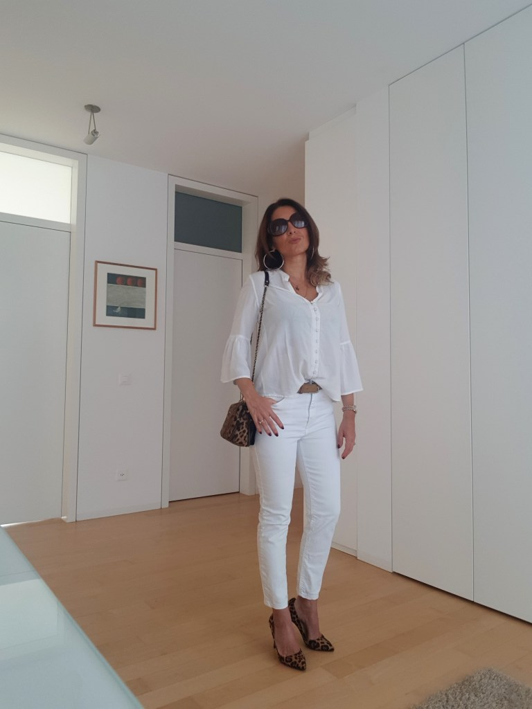 Look di fine estate: bianco & leopardato