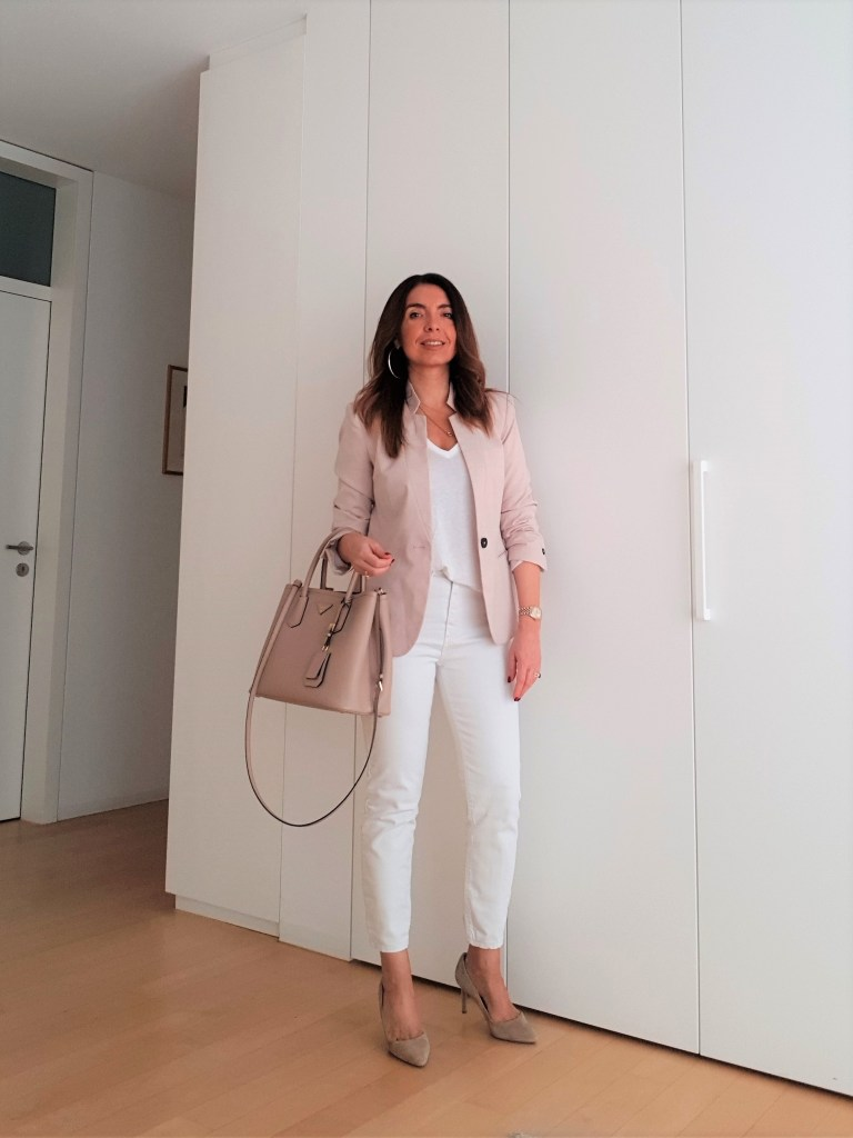 Summer office outfit in white and blush
