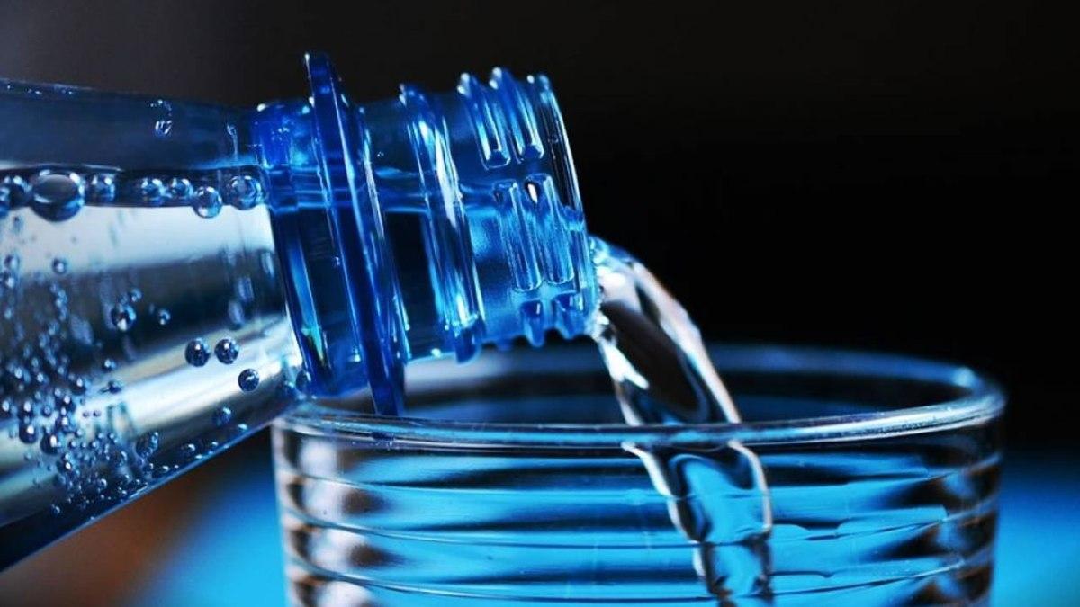 Estas son las marcas de agua embotellada contaminada en México