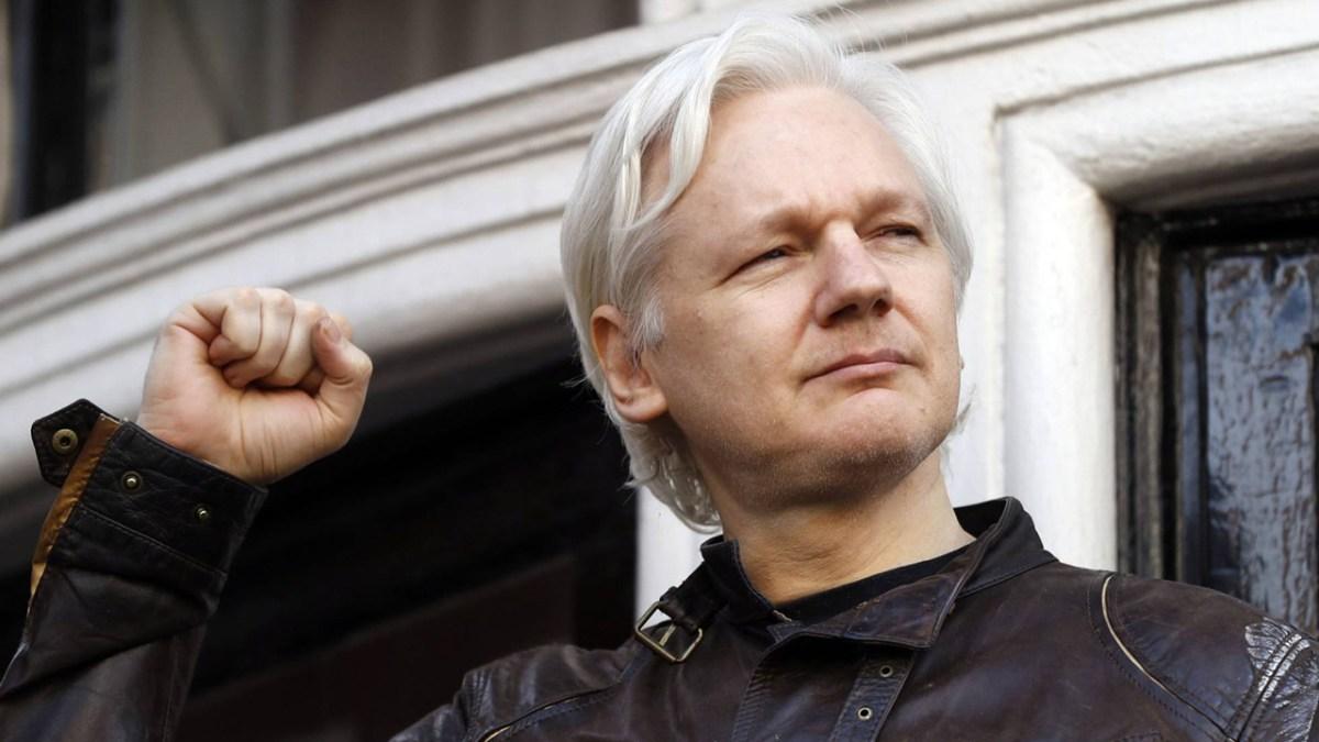 Ecuador impone rígidas condiciones a Julian Assange antes de devolverle la conexión a Internet