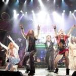 Rock of Ages: Banquete Musical de Rock de los 80