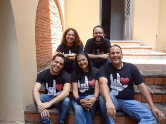 Al centro, Adriana Pantoja Productora de Cuarzo Blanco y Gestora de Leamos Todos Juntos   foto suministrada