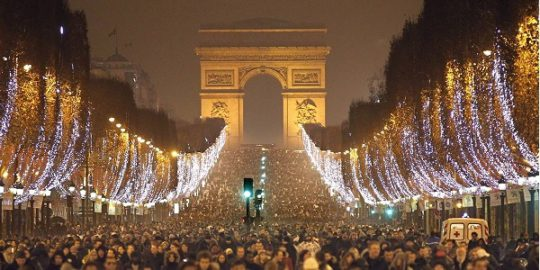 paris_champs-elysees-new-years-eve