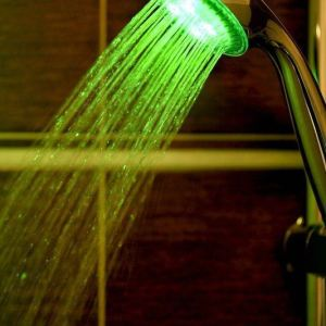 Barevná svítící LED sprcha