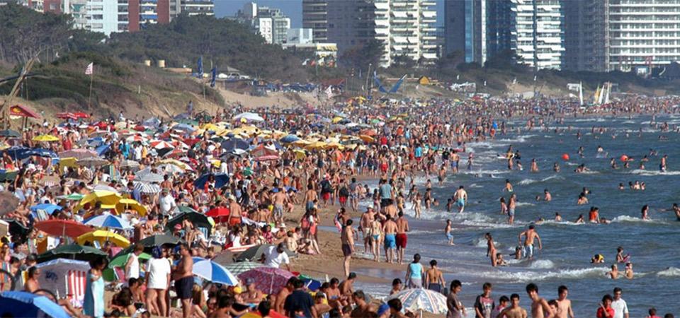 Uruguay augura más de 10 % de turistas en comparación con la temporada pasada