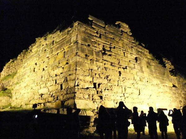 Ministerio de Cultura aprobó instructivo que organizará recorridos de noche por Chavín