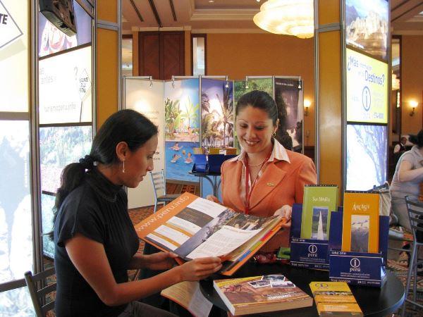 Mincetur ofrece información a turistas nacionales y extranjeros que viajan al interior