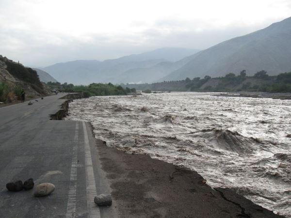 Lima Sur: Carretera entre Cañete y Yauyos en situación crítica por crecida de río