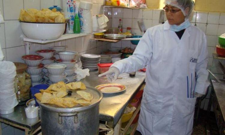 Centro de Lima y San Isidro: Hallan insectos y alimentos podridos en restaurantes