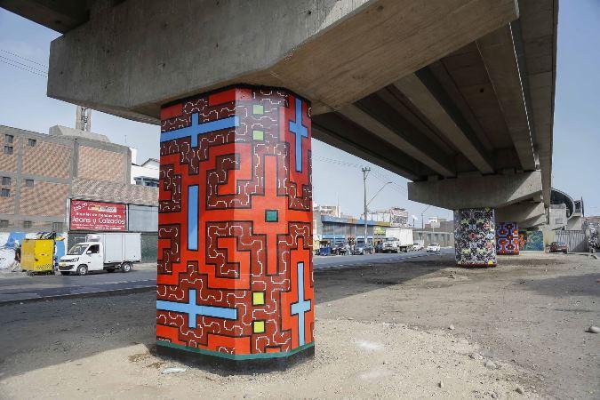 Mujeres shipibo-conibo pintaron murales en columnas de Línea 1 del Metro de Lima