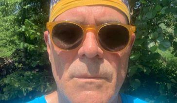 "Alberto Zangrillo, selfie all'aperto senza mascherina ""da persone assennate"": è polemica"