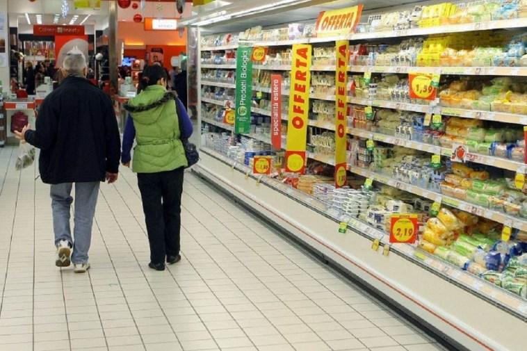 Ministero della Salute, ritiro dal supermercato di 3 alimenti: potrebbero contenere frammenti di vetro