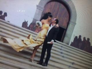 Angela Cavagna ex velina di Striscia la Notiza si  sposata le foto matrimonio con Paolo