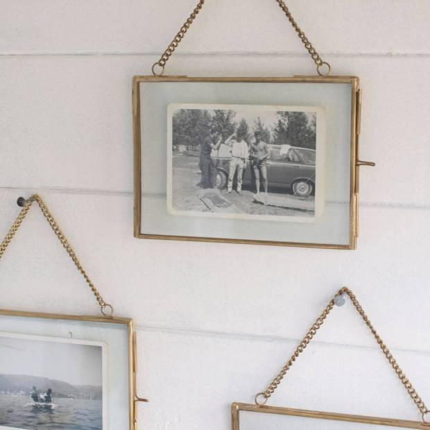 Hanging Photo Frames - Home Design Ideas