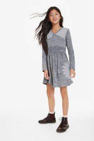 Desigual παιδικό φόρεμα με glitter print Sagrera - 19WGVK86 - Γκρι