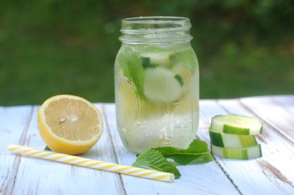 cucumber lemon water的圖片搜尋結果