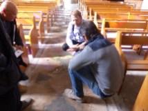 Eglise Ars - Sols intérieur et cabochons - Microfissures - 8 octobre 2018