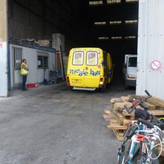 Magic Bus prêt à partir pour Arbollé