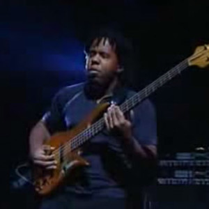 Victor Wooten: Ari's Eyes (Bass Day 2002)