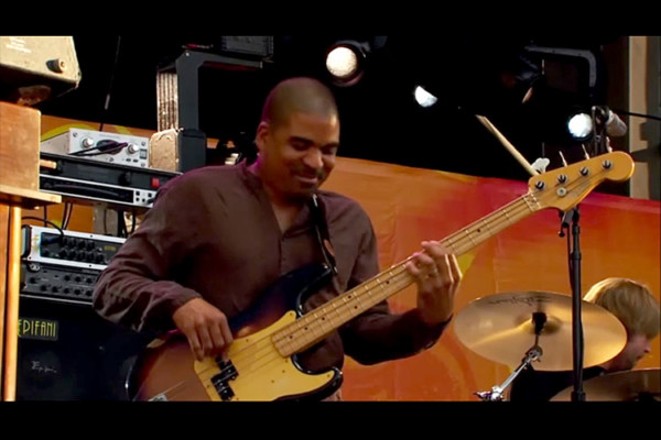 Tedeschi Trucks Band: Midnight In Harlem, Live with Oteil Burbridge