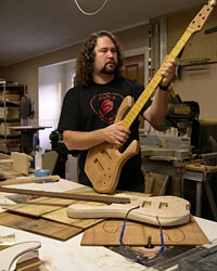 Custom Shop: Skjold Design Guitars