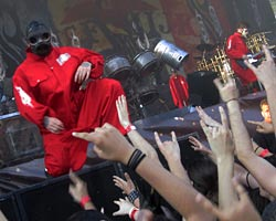 Slipknot Performs First Show Since Paul Gray's Passing