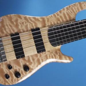 Bass of the Week: Knuckle Guitar Works Quake Bass