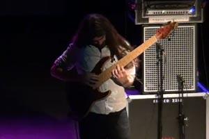 """Simon Fitzpatrick: Emerson Lake & Palmer's """"Take a Pebble"""" for Solo Bass"""