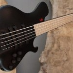 Le Fay Introduces Fan Fret Version of Pangton Headless Bass