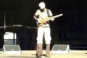 "Armin Metz: ""Sanskar Valley"" Solo Bass Performance"