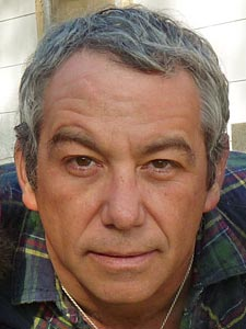Mike Watt to Reunite With fIREHOSE; Releases Album with Spielgusher
