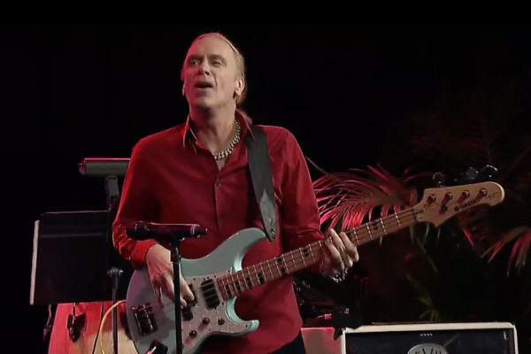 "Steve Vai with Billy Sheehan: ""The Crying Machine"", Live"