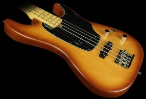 Godin Shifter Classic 4 Bass closeup