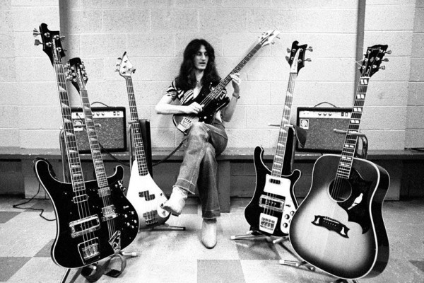 "Rush: ""YYZ"" – Geddy Lee's Isolated Bass (Isolated Bass Week)"