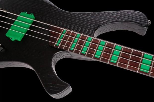 Esh Stinger Monstergreen Bass - Closeup