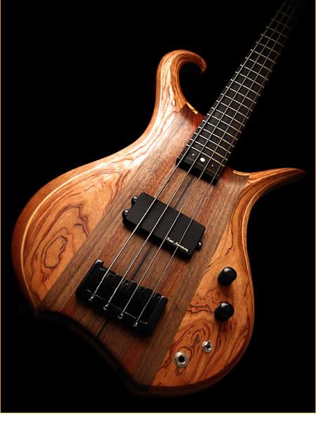 Eve Guitars Elite Fretted 4 bass - body