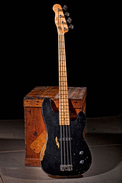 Fender Custom Shop Dusty Hill Precision - Black