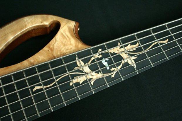 Aries Senes Bass - fretboard inlay