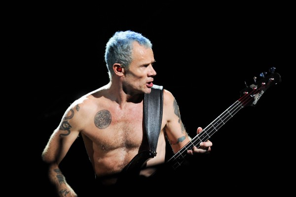 "Red Hot Chili Peppers: Flea's Isolated Bass on ""Scar Tissue"""