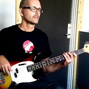 Bass Line Construction: Legato Minor Pentatonic Scale Bass Run