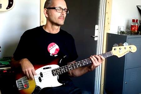 Bass Line Construction: Legato Minor Pentatonic Scale Bass Run
