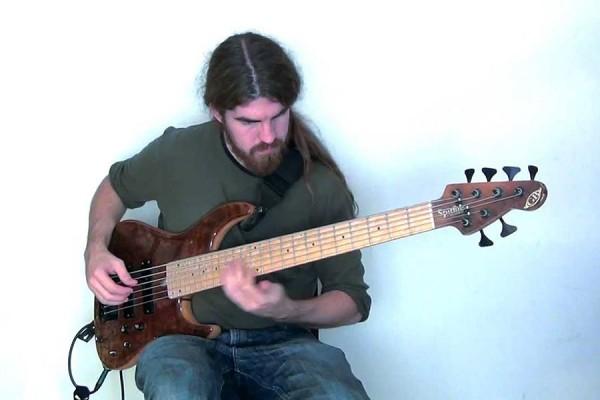"""Simon Fitzpatrick: """"No Woman, No Cry"""" Solo Bass Performance"""